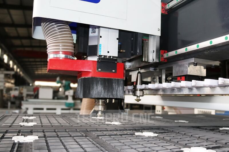 ATC cnc wood router with automatic tool changer spindle machine