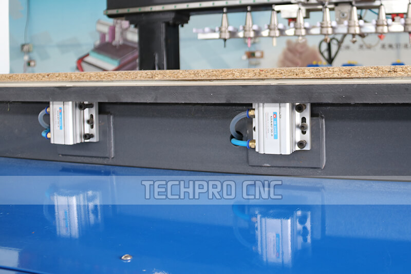 Automatic positioning cylinder for cnc wood router machine