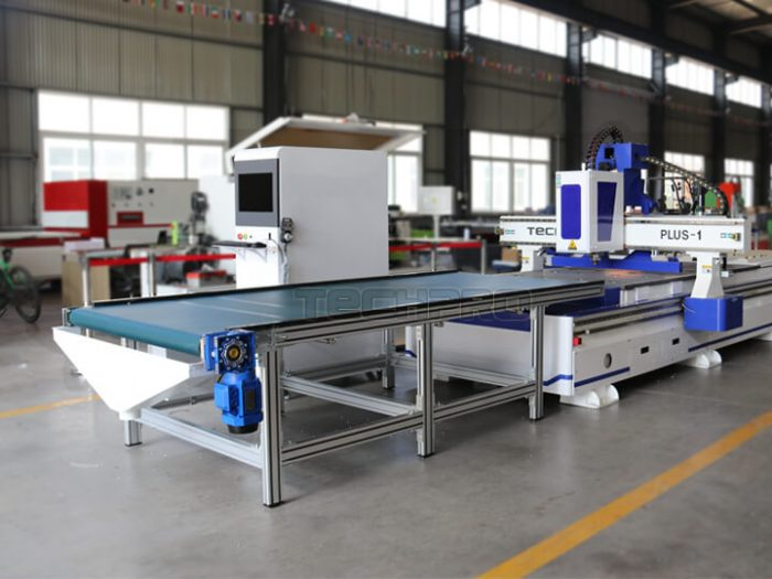 Unloading conveyor table of customized furniture cnc router